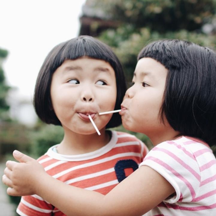 fotos hermanas gemelas