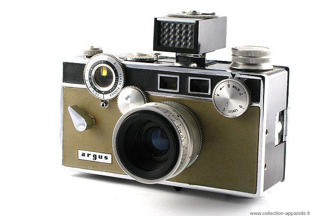 Coleccionista muestra sus c maras de fotos antiguas - Camaras fotos antiguas ...